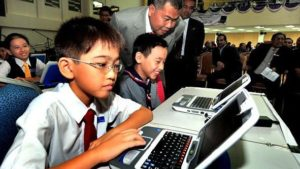 Contoh Pemanfaatan Teknologi Pendidikan Dalam Bidang Pendidikan