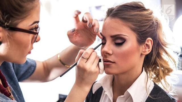 Cara Makeup Untuk Sehari Hari