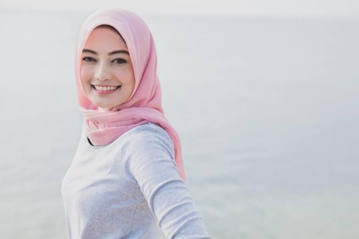 Tips Make Up Hijab untuk Aktivitas Sehari Hari