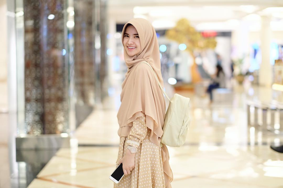 Fashion Items Untuk Melengkapi Style Fashion Syar'i yang Trendy